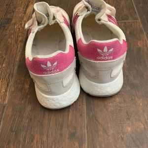 adidas Shoes - Adidas Casual Sneaker